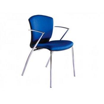 Silla rocada confidente estructura cromada con brazos tapizada en tela ingnifuga color azul 52x82x56 cm
