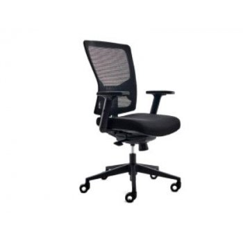 Silla rocada de oficina con brazos tapizada en tela ingnifuga y respaldo en polimero color negro